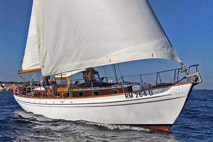 LAURENT GILES Donella Class Motor Sailor for sale in Italy for €149,000 (£132,030)
