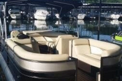 Crest II 230 Tritoon for sale in United States of America for $41,000 (£29,233)