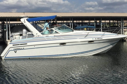 Formula 27 Cruiser for sale in United States of America for $16,500 (£11,813)