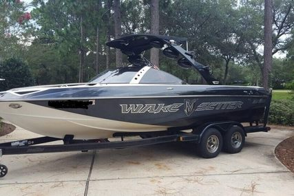 Malibu 23 LSV Wakesetter for sale in United States of America for $47,990 (£34,252)