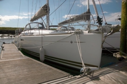 Jeanneau SUN ODYSSEY 379 LIFTING KEEL for sale in United Kingdom for £119,950
