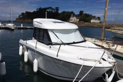 Jeanneau Merry Fisher 605 for sale in France for €29,500 (£26,132)