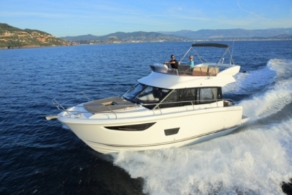 Jeanneau VELASCO 37 F for sale in France for €365,000 (£324,517)