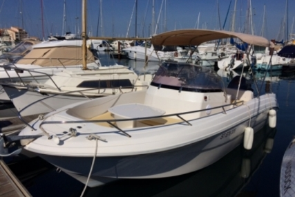 Pacific Craft 670 for sale in France for €28,000 (£24,706)