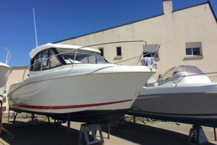 Beneteau Antares 680 HB for sale in France for €38,500 (£34,105)