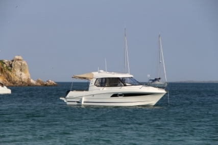 Beneteau ANTARES 880 HB for sale in France for €59,500 (£53,122)