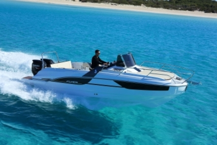 Beneteau Flyer 7.7 Sundeck for sale in France for €69,700 (£61,643)