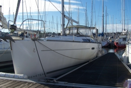 Beneteau Oceanis 37 for sale in France for €82,000 (£73,210)