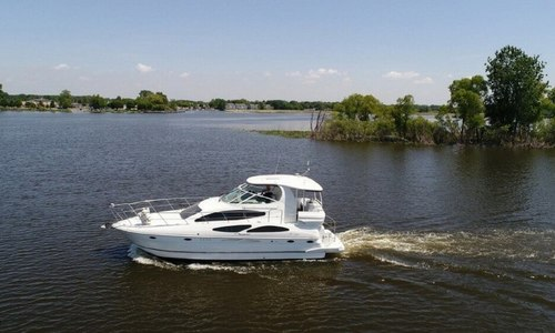 Image of Cruisers Yachts 415 Express Motoryacht for sale in United States of America for $189,000 (£143,230) Grand Haven, Michigan, United States of America