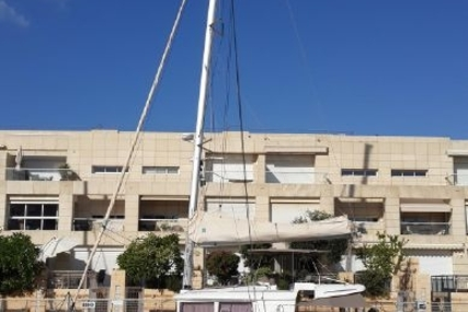 Lagoon 450 for sale in Israel for €460,000 (£411,460)
