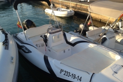 Zar Formenti 47 for sale in Spain for €19,500 (£17,337)
