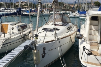 Jeanneau Sun Odyssey 33i for sale in France for €79,000 (£70,472)