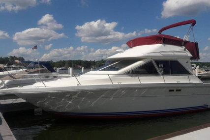Sea Ray 305 Sedan Bridge for sale in United States of America for $18,000 (£12,885)