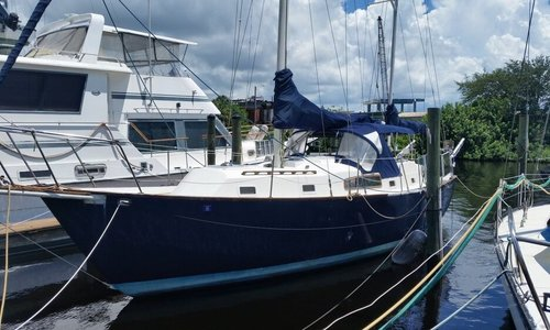 Image of Irwin Yachts 37 Mark V for sale in United States of America for $30,000 (£22,792) Tarpon Springs, Florida, United States of America