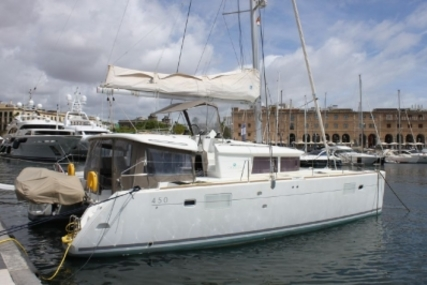 Lagoon 450 for sale in Spain for €449,000 (£394,351)