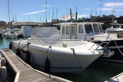Jeanneau Cap Camarat 8.5 CC for sale in France for €82,500 (£73,594)