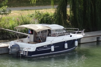Jeanneau Merry Fisher 755 Marlin for sale in France for €38,000 (£33,513)
