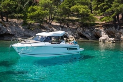 Jeanneau Merry Fisher 795 for sale in France for €71,000 (£62,508)