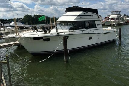 Carver 32 Convertible for sale in United States of America for $21,000 (£15,035)