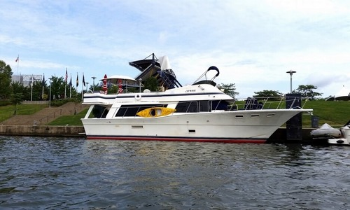 Image of Bluewater Yachts 5300 Sedan MY for sale in United States of America for $89,900 (£65,396) Blawnox, Pennsylvania, United States of America