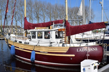 Fisher 37 for sale in France for €95,000 (£83,542)