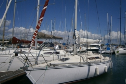 Beneteau First 32 for sale in France for €19,000 (£16,963)