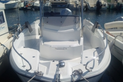 Beneteau Flyer 6.6 Spacedeck for sale in France for €46,000 (£40,589)