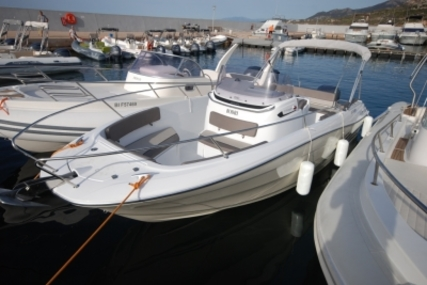 Jeanneau Cap Camarat 7.5 Cc for sale in France for €46,700 (£41,617)