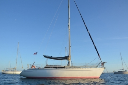Jeanneau Sun Rise 34 for sale in France for €24,500 (£21,545)