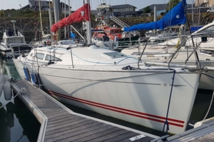 Jeanneau Sun Fast 35 for sale in France for €70,000 (£62,028)