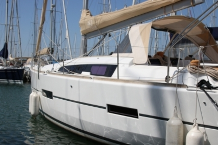 Dufour 412 Grand Large for sale in France for €195,000 (£172,319)