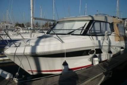 Beneteau ANTARES 880 HB for sale in France for €75,500 (£67,404)
