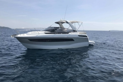 Jeanneau Leader 30 for sale in France for €160,000 (£141,777)