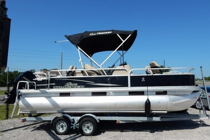 Sun Tracker Fishin' Barge 22 DLX for sale in United States of America for $24,500 (£17,585)