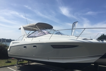 Jeanneau Leader 8 for sale in France for €95,000 (£84,817)