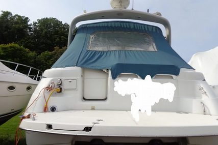 Chris-Craft Crowne 320 for sale in United States of America for $32,300 (£24,243)
