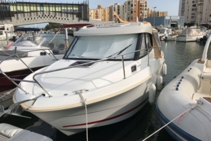 Beneteau Antares 7.80 for sale in France for €48,700 (£43,446)