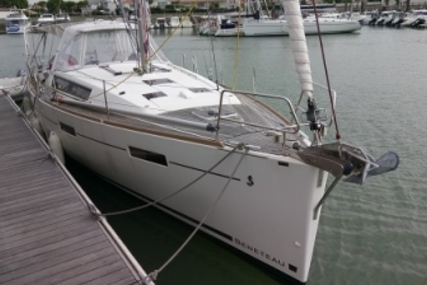 Beneteau Oceanis 41 for sale in France for €169,900 (£151,663)