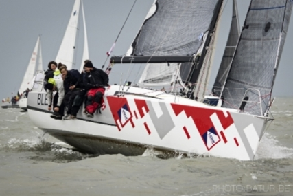 Jeanneau Sun Fast 3200 for sale in France for €135,000 (£120,027)