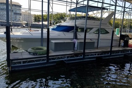 Sea Ray 440 Express Bridge for sale in United States of America for $69,900 (£55,470)