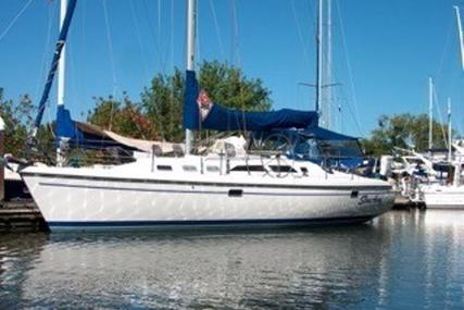 Catalina 380 for sale in United States of America for $115,000 (£86,825)
