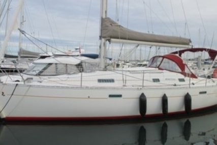 Beneteau Oceanis 331 Clipper for sale in France for €49,000 (£43,406)