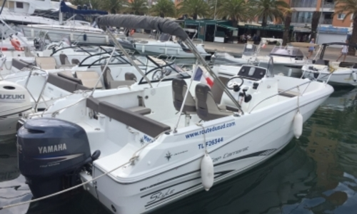 Image of Jeanneau Cap Camarat 7.5 Cc for sale in France for €29,000 (£25,871) HYERES, France