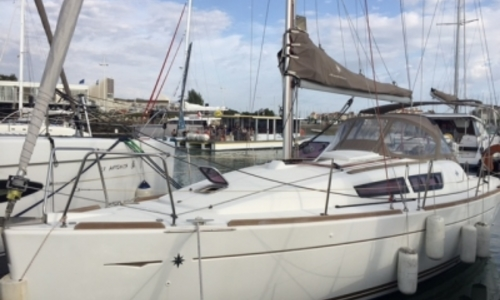 Image of Jeanneau Sun Odyssey 30 I Lifting Keel for sale in France for €54,000 (£47,264) LA ROCHELLE, France