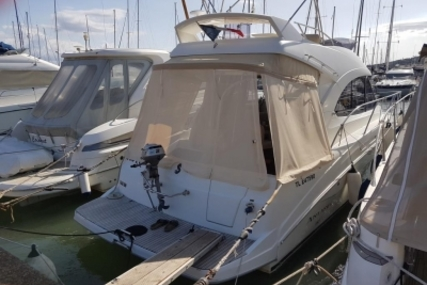Beneteau Antares 32 for sale in France for €118,000 (£104,529)
