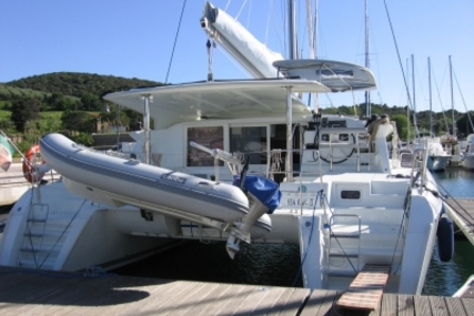 Lagoon 421 for sale in Italy for €220,000 (£196,250)