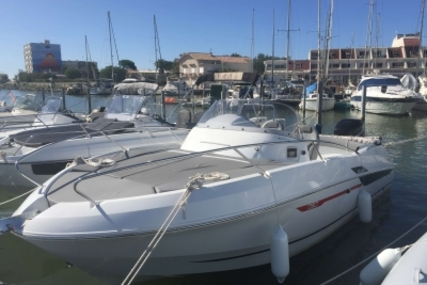 Beneteau Flyer 750 Sundeck for sale in France for €51,270 (£45,344)