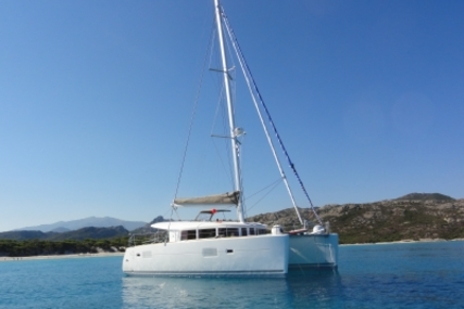 Lagoon 400 S2 for sale in France for €325,000 (£289,829)