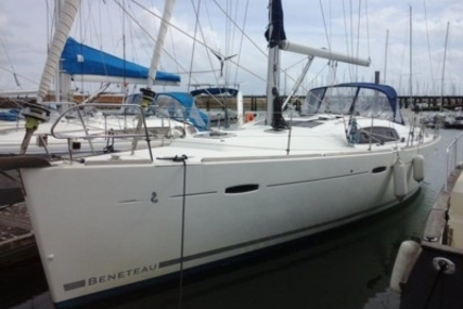 Beneteau Oceanis 43 for sale in France for €139,000 (£123,958)