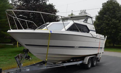Image of Bayliner Ciera 2452 Express for sale in United States of America for $18,500 (£13,265) Scarborough, Maine, United States of America